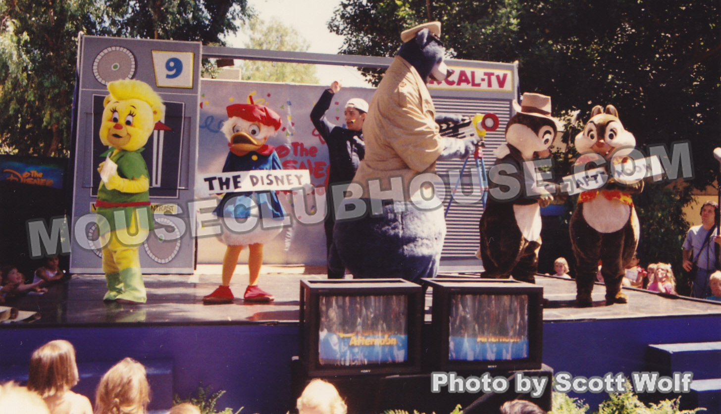 The Disney Afternoon characters gave us a live stage show for the celebration.