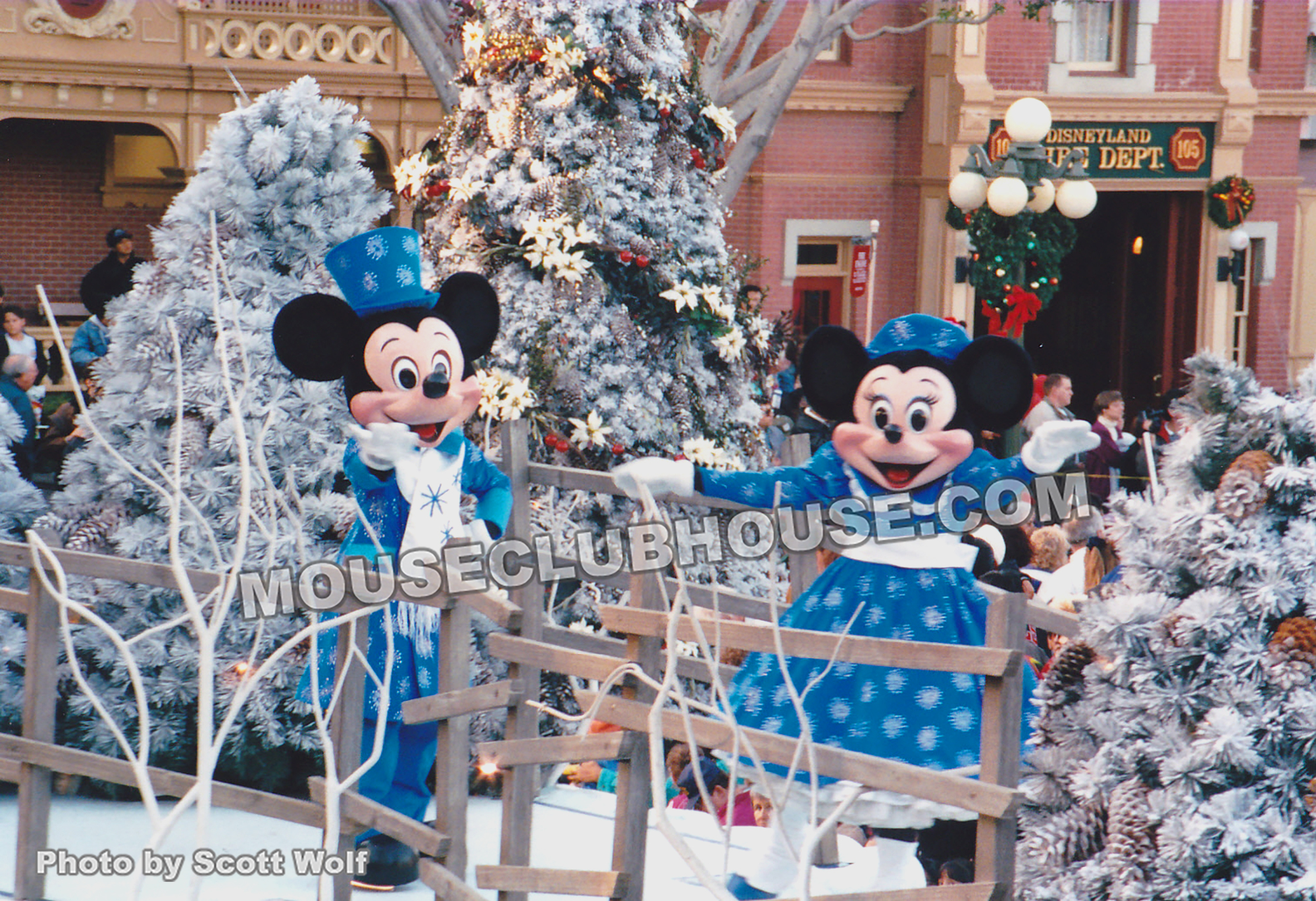 Mickey & Minnie ice skate in the Very Merry Christmas parade at Disneyland, 1992