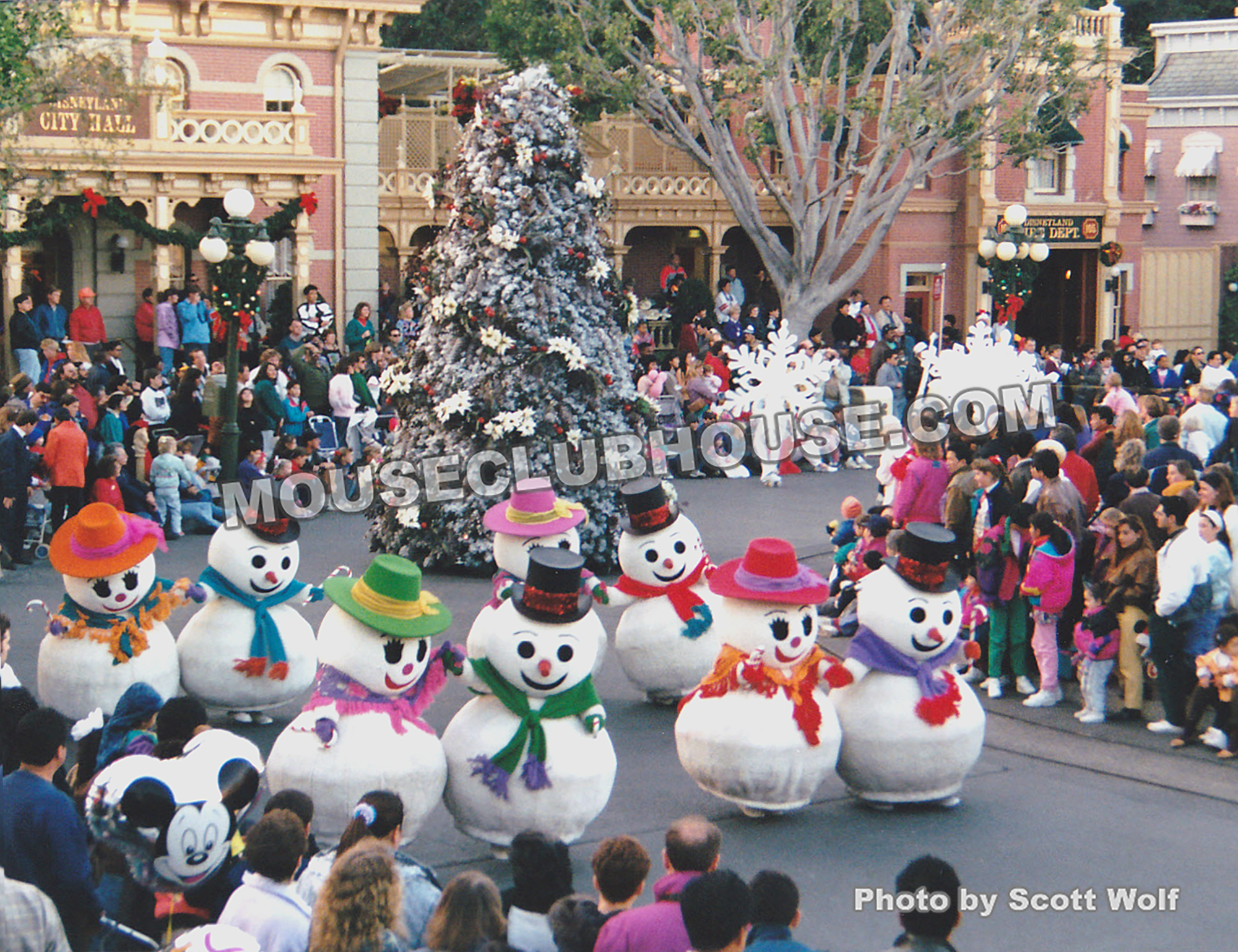 snowmen in the very merry christmas parade at disneyland 1992