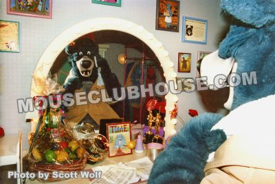 Inside the Meet Baloo attraction. This successful experiment led the way to the current Meet Mickey attraction