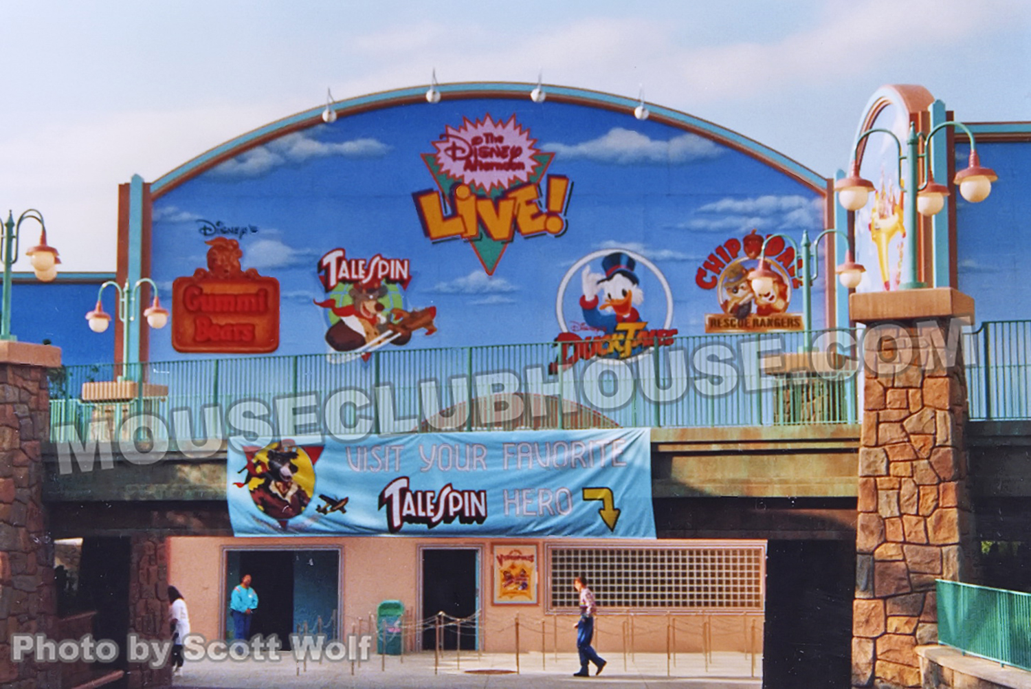 disney afternoon at disneyland mouse clubhouse what is now the entrance to mickey s toontown in disneyland as it appeared in 1991