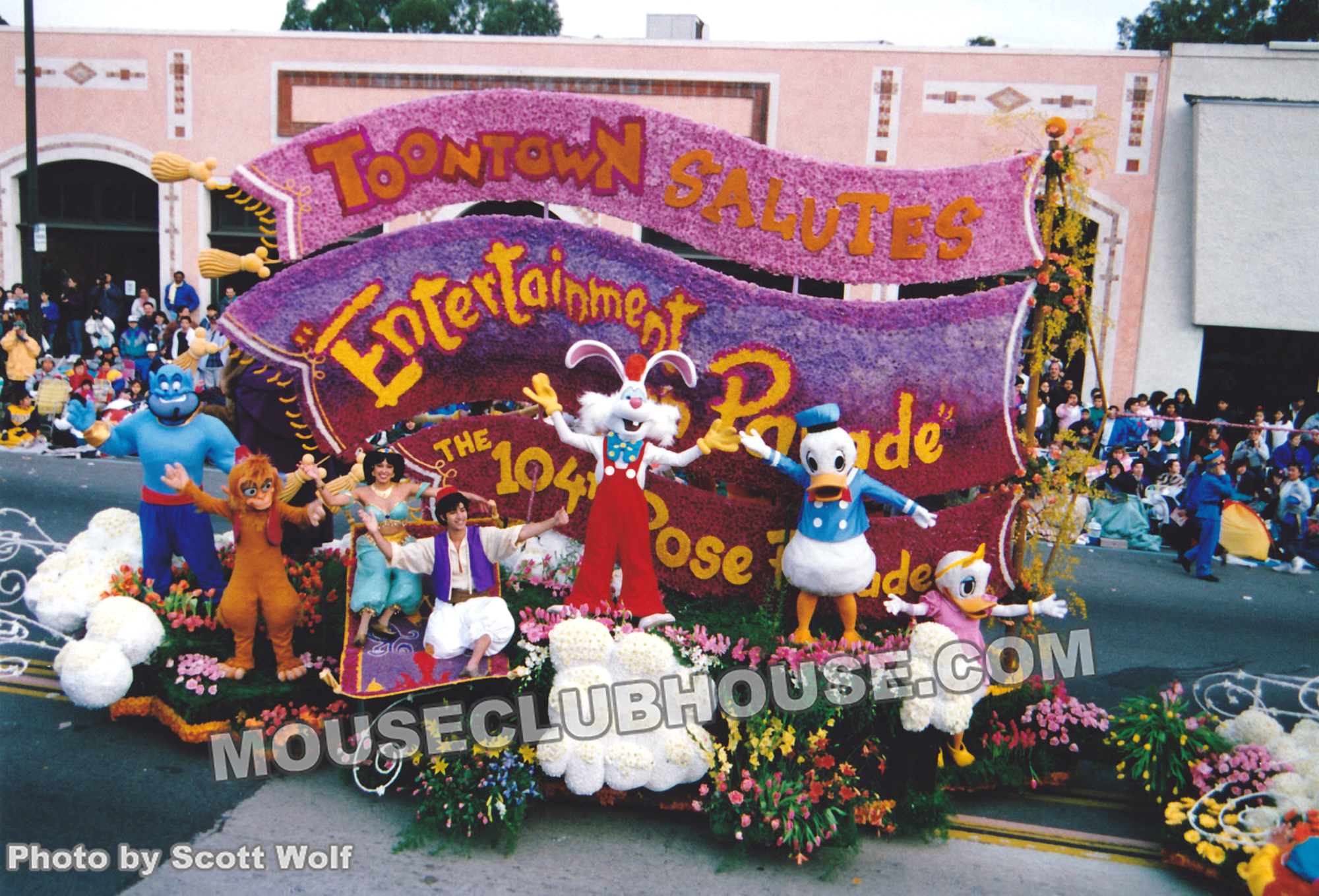 Disney's float for the pre-show of the 1993 Tournament of Roses parade